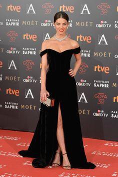 Juana Acosta in Isabel Badaldua, Barcenajoyas jewels and Jimmy Choo - Goya Cinema Awards 2016 - February 6, 2016