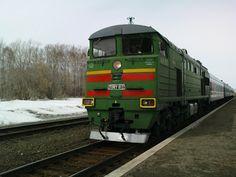 Фотографии Алтая (Photo Altai)   Предгорье Алтая (Foothills of the Altai): Тепловоз пассажирского поезда. (Locomotive passeng...