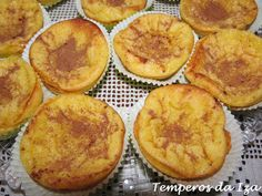 Crème Brûlée Cheesecake Has The Most Satisfying Caramelized Sugar Top Creme Brulee Cheesecake, Muffins, Caramelized Sugar, Most Satisfying, Portuguese Recipes, Mini Desserts, Cornbread, Pineapple, Deserts