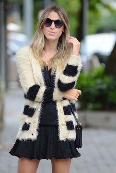 GLAM4YOU - Nati vozza - blog - look - cardigan - saia - coturno - bege e preto - oculos redondo - rounded -