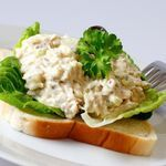 Cottage Style Tuna Salad --- 7 Low-carb Lunch Ideas In a lunch rut? These diabetes friendly recipes are sure to please. Atkins Recipes, Diabetic Recipes, Low Carb Recipes, Cooking Recipes, Healthy Recipes, Diabetic Foods, Diabetic Desserts, Skinny Recipes, Lunch Recipes