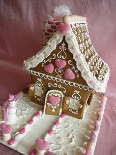 Amelie's House: Gingerbread Inspiration - Good and  Plenty's!  I need to add that to the gingerbread house candy we buy this year!