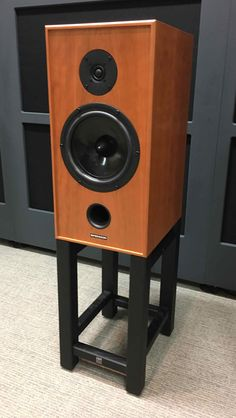 Hi-Fi Racks Fortis Speaker Stands (For Spendor Classic Speakers) Tower Speakers, Diy Speakers, Speaker Stands, Bluetooth Speakers, Diy Subwoofer, Types Of Timber, Mahogany Stain, Monitor Stand, Hifi Audio