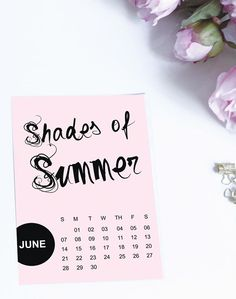 Looking for a fun printable calendar in this year's shades of Summer colors? Well you're in luck. FREE PRINTABLE on the blog by @marketingbff