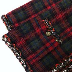 Rare Chanel 13 A Rouge Noir Tartan Cashmere Blazer Veste Cardigan Taille FR36 US2 4 | eBay Tartan, Chanel, Blazer Jacket, Plaid Scarf, Tweed, Cashmere, Ebay, Black, Fashion