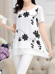 Stylish Tops For Girls, Trendy Tops, Trendy Fashion Tops, Trendy Tops For Women Trendy Tops For Women, Blouses For Women, Stylish Tops, Blouse Styles, Blouse Designs, Bluse Outfit, Hijab Stile, Cheap Dresses Online, Look Fashion
