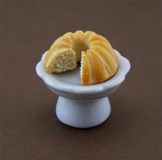Bundt Cake - 1/12 Dollhouse Miniature Dessert