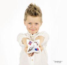 Gratis spå til Mai! =) Gratis spå til Mai Onesies, Spa, Face, Kids, Clothes, Creative, Young Children, Outfits, Boys