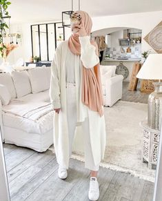 Long Cardigans With Hijab Fashion - image@luciie.nour - Get Inspiration On Chunky Cardigan With Hijab Style, Long Open Cardigans For Spring, Long Open Cardigans Summer, Long Open Cardigans Work Outfits, Hijab Fashion With Cosy Knitwear, Black Open Cardigans , White Open Long Cardigans And Much More. #hijab #hijabfashion #hijaboutfit #longcoats #modestoutfit #chunkyknit Jeggings, Capri, Amazon Essentials, Modest Outfits, Knitting, Instagram, Shopping, Fashion, Dress