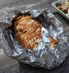 Puistolan bistro: Kesäinen grillimenu Banana Bread, Desserts, Food, Tailgate Desserts, Deserts, Eten, Postres, Dessert, Meals
