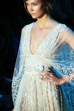I want pretty: #Lunes de cosas #bonitas/ Random #pretty stuff! #ElieSaab #FashionWeek