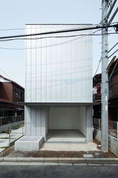 Ryuji Fujimura - Storage house, Kanagawa 2011. Via, photos © Takumi Ota.