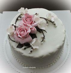 Kahvivieraille Tip Of The Day, Take The Cake, Fondant Cakes, Amazing Cakes, Cake Decorating, Wedding Cakes, Survival, Eat, Wedding Shit