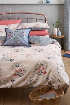Buy Salisbury Floral Bed Set from the Next UK online shop Next Bedroom, Uni Room, King Bedding Sets, Interior Design Tips, Next At Home, Beautiful Bedrooms, New Homes, Salisbury, Bedroom Ideas