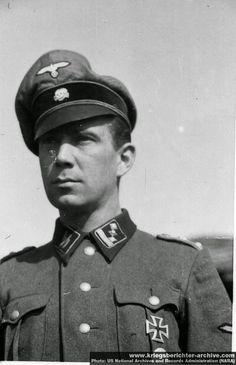 "SS-Obersturmbannführer der Reserve Carl-Heinz Frühauf (1914-1976), héroe de la batalla de Puente de Narva --- SS-Freiwilligen-Panzergrenadier-Brigade ""Nederland"""