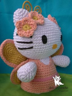 Hello kitty Butterfly graphic pattern