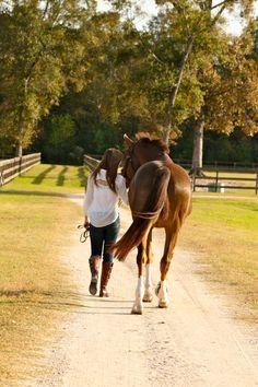 Cousin Julianne went horseback riding for a few hours before dinner.
