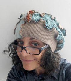 Guarda questo articolo nel mio negozio Etsy https://www.etsy.com/it/listing/543555902/cappello-lanacappello-patchworkcuffia