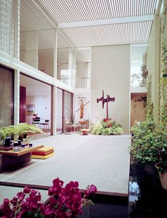 Pierre Koenig     s Case Study House     comes up for sale in the
