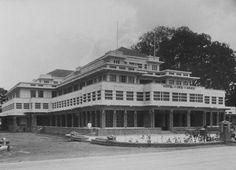 Voorgevel van Hotel des Indes te Batavia. 1918-1930