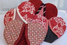 Heart-Shaped Potholders – Ideas Times Two Easy Sewing Projects, Quilting Projects, Sewing Hacks, Sewing Tutorials, Sewing Crafts, Sewing Tips, Dyi Crafts, Potholder Patterns, Sewing Patterns