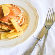 #coconut #pancakes with #peaches and #lime #syrup #recipe on #blog : http://unagattaincucina.blogspot.it/2013/06/pancakes-al-cocco-con-fettine-di-pesca.html