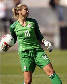 Soccer Tips. One of the greatest sports on earth is soccer, often known as football in a lot of countries around the world. Football Players Images, Female Football Player, Best Football Players, Soccer Players, Women's Football, Hope Solo, Soccer Skills, Soccer Tips, Running Drills
