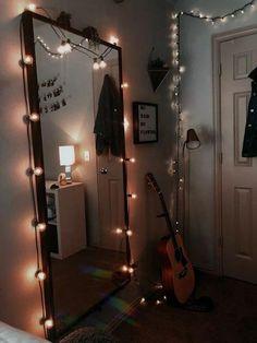 37 Stylish Dorm Room Design Concepts To Really feel Like House Mutfak – Home Decoration Modern Bedroom Decor, Bedroom Vintage, Vintage Room, Hipster Bedroom Decor, Men Bedroom, Teenager Zimmer Design, Cozy Dorm Room, Teen Room Designs, Bedroom Designs