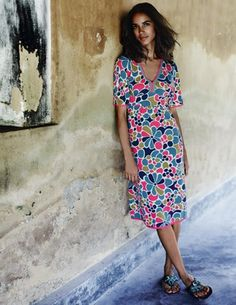 Kimono Dress easy to wear jersey combined with a fab pattern and colors....need I say any more? this can take me from the boardwalk to dinner and back to the hotel for drinks! #boden