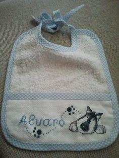 Babecedarioabero perro en punto de cruz Cross Stitch Baby, Cross Stitch Patterns, Baby Sewing, Bibs, Baby Shoes, Baby Boy, My Style, Crochet, Google
