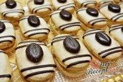 Recept Mocca oválky s kávovým zrnkem Low Carb Desserts, Dessert Recipes, Yummy Treats, Sweet Treats, Funeral Food, Italian Cookie Recipes, Czech Recipes, Holiday Cookies, Confectionery