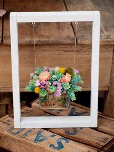 Succulent Gardening, Succulents Garden, Planting Flowers, Wood Crafts, Diy And Crafts, Pot Jardin, House Plants Decor, Flower Boxes, Plant Holders