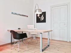 Pure Wood Design - Grinsted Steigerhouten tafel met stalen frame. Scandinavisch en industrieel design.