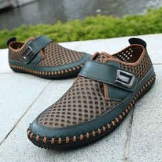 Men Hook-loop Cellular Mesh Fabric Breathable Soft Ourdoor Causal Shoes