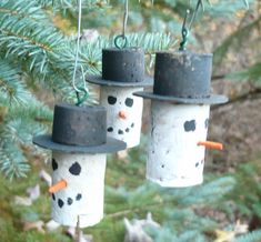 Snowman Christmas Tree Ornaments Hand Crafted from Wine Corks by ShadeTreeClassics on Etsy https://www.etsy.com/listing/212119341/snowman-christmas-tree-ornaments-hand