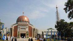 Masjid Roosniah Al-Achmad - Dibangun Aburizal Bakrie, Rumah Ibadah Ini Punya…