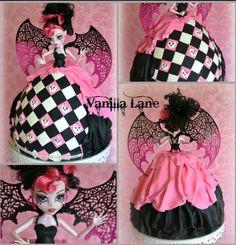 Monster High cake make this for Maureen's daughter chloe! :)