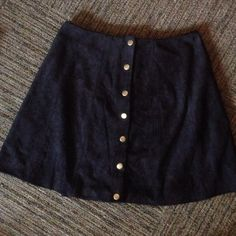honey punch button up skirt Never has been worn. No tags. Super cute!! Honey Punch Skirts A-Line or Full