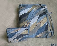 Denim purse, love the patchwork. Artisanats Denim, Denim Purse, Patchwork Bags, Quilted Bag, Jean Purses, Purses And Bags, Reuse Jeans, Bag Quilt, Recycled Denim