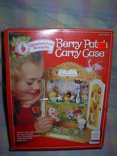 NIB Vintage Strawberry Shortcake NEW BERRY PATCH CARRY CASE  #KENNER