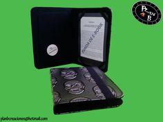 Funda Ebook Plan B. Mod. Gótico Alto: 18,80cm Ancho: 13,50cm Grueso: 1,90cm Peso: 200gr