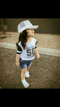Now you are one of them to search girl dp Cute Little Girls Outfits, Dresses Kids Girl, Kids Outfits, Cute Kids Pics, Cute Baby Girl Pictures, Stylish Baby, Stylish Kids, Baby Girl Fashion, Kids Fashion