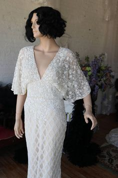 Wedding gown Art Deco Beaded Very tres chic on fb! c9aa5b71292b