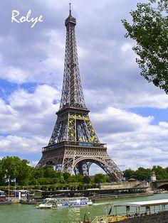 Paris France ♥14919♥ Tour Eiffel  The best postcard  巴黎 明信片 Parigi  Francia* エッフェル塔、パリ、フランス* 에펠탑, 파리, 프랑스 *Eyfel Kulesi, Paris, Fransa over 10 000 views by Rolye, via Flickr