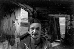 Sans toit ni elles - Photographie,  60x40 cm ©2016 par lionel morateur -                                        Papier, Hommes