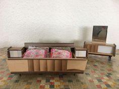 Alte-Puppenmoebel-Puppenstube-Puppenhaus-Schlafzimmer-50er-60er-Jahre