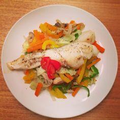 新妻ごはん。: 野菜たっぷりタラの酒蒸し・水菜と厚揚げのサラダ