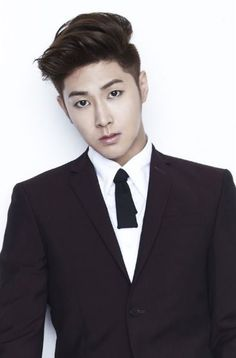 Yunho (TVXQ) in suit