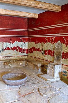 The archaeological site of Knossos is sited on the island of Crete in Greece. On the ruins of the neolithic settlement was built the first Minoan palace (1900 B.C.) where the dynasty of Minos ruled. This was destroyed in 1700 B.C and a new palace built in its place. The palace was multi- storeyed and had an intricate plan. Due to this fact the Palace is connected with thrilling legends, such as the myth of the Labyrinth with the Minotaur... www.barbaraathanassiadis.it