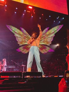 Harry Styles Face, Harry Styles Poster, Harry Styles Pictures, Harry Edward Styles, Louis Tomlinson Songs, Wells Fargo Center, One Direction Photos, Dove Cameron, Larry Stylinson